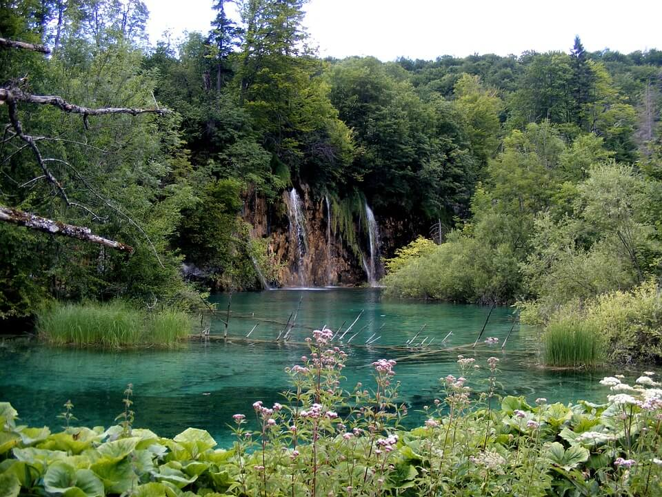 national park krka plitvice np waterfalls split daily tour excursions ticket parking