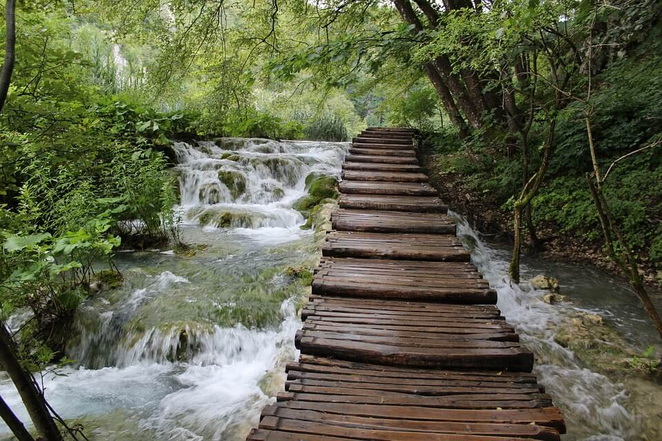 Wooden footpaths in the NP Plitvice