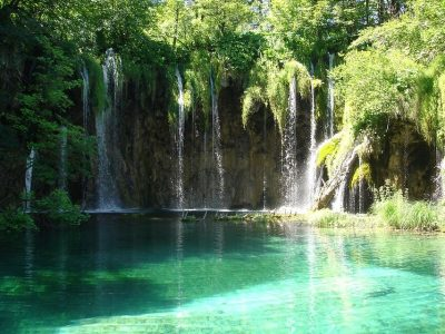 Low budget day tour to Plitvice Lakes