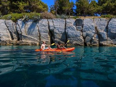 Sea kayaking split adventure tour